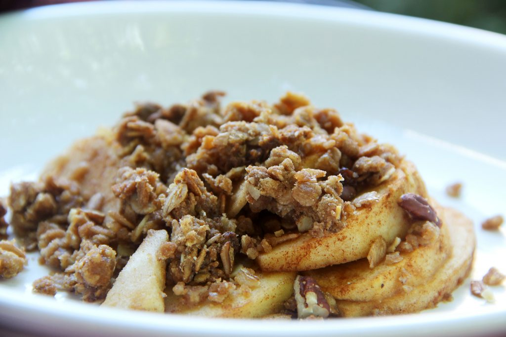 Super Easy Slow Cooker Apple Crisp